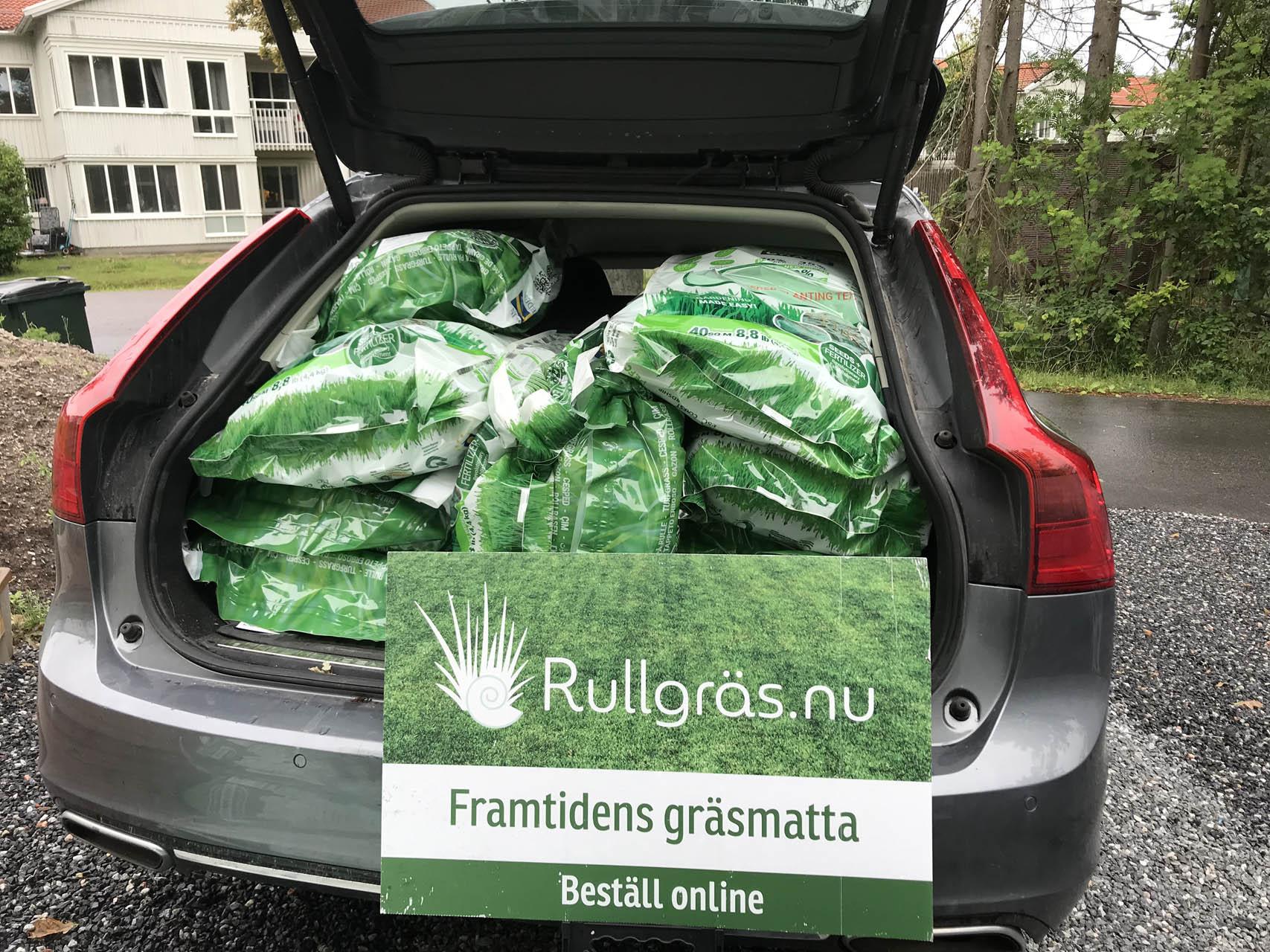 600 m2 smart rullgräs i bakluckan